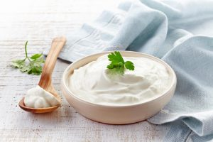 How to make a sour cream with buttermilk