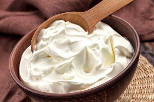 How to make a sour cream with kefir grains?